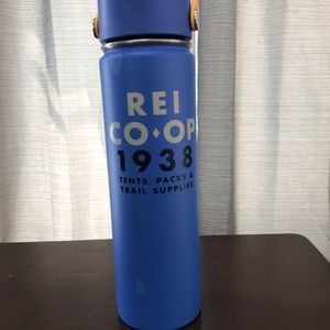 Hydro Flask 24 oz. straw cap REI blue